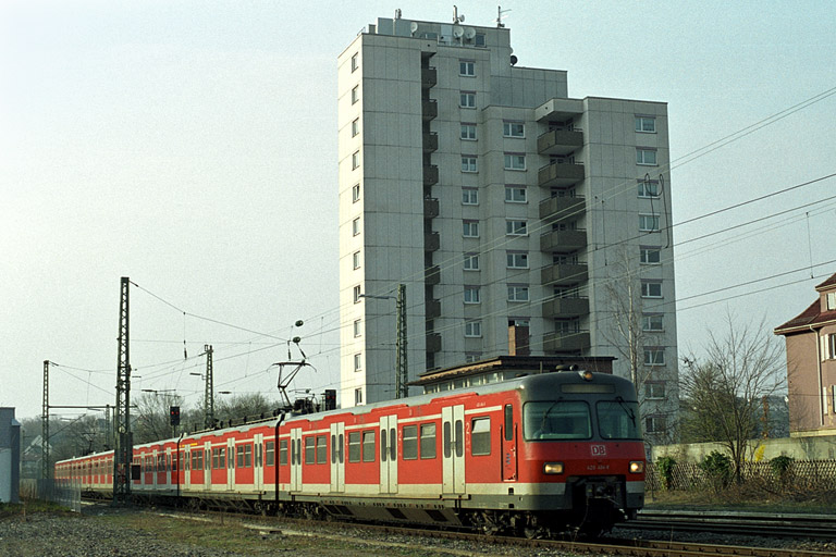 Baureihe 420 als Lt 74265 in Stuttgart-West (April 2004)