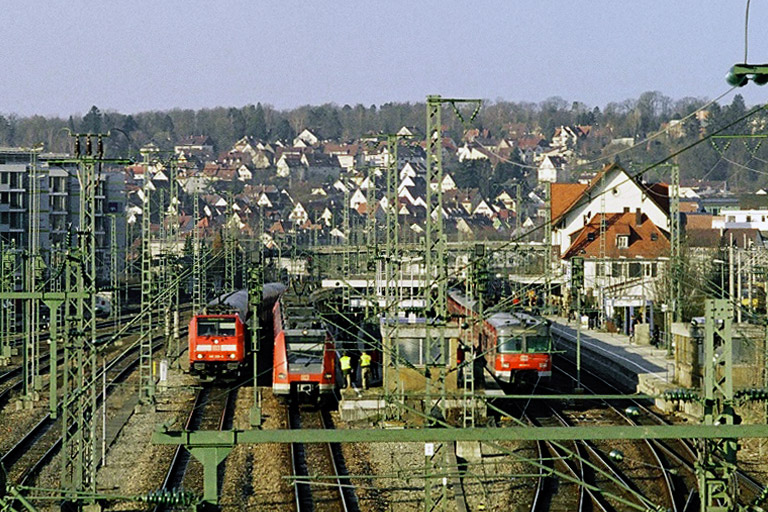 Baureihe 420 und 423 in Stuttgart-Vaihingen (April 2006)