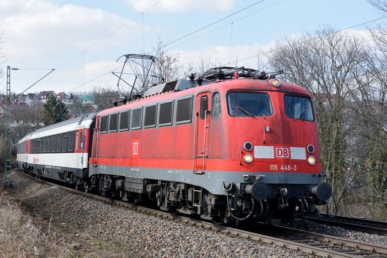 115 448 mit IC 281 bei km 8,2 (April 2013)