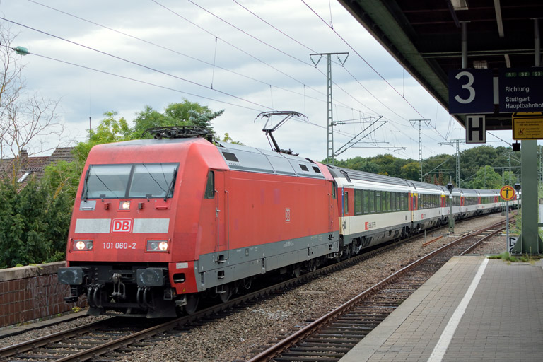 101 060 mit IC 184 bei km 16,8 (September 2017)