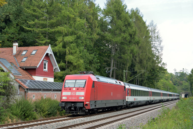 101 134 mit IC 187 bei km 18,2 (September 2017)