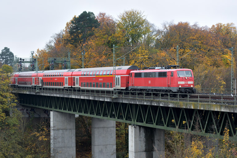 111 080 mit RE 19034 bei km 14,6 (November 2017)