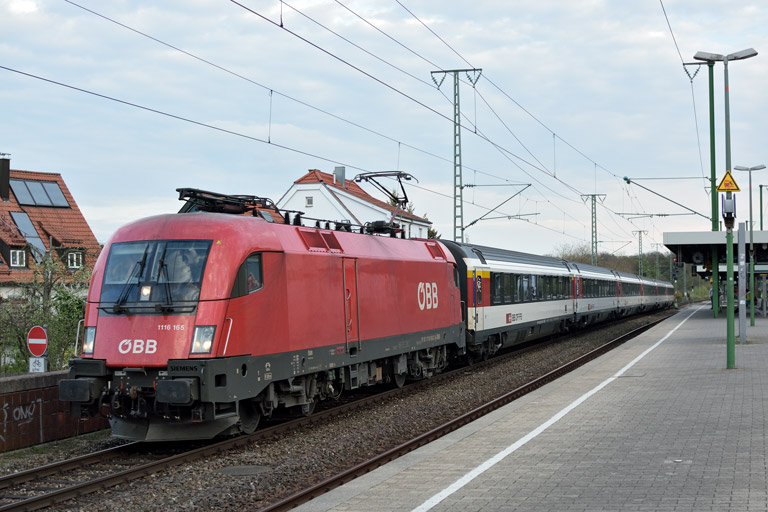 ÖBB 1116 165 mit IC 184 bei km 16,8 (April 2018)