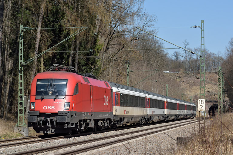 ÖBB 1116 267 mit IC 189 bei km 18,2 (April 2018)